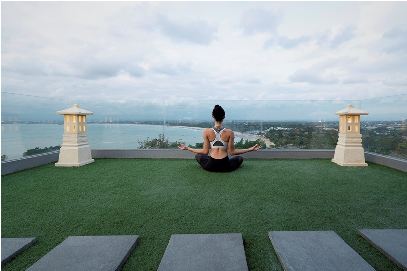 rooftopandview/Yoga